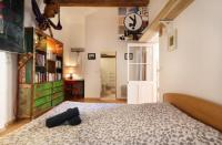 Appart Hotel Languedoc Roussillon Appart Hotel Superbe appartement sur la place Sainte-Anne