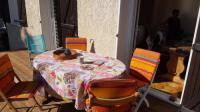 gite Istres haut de villa tres lumineux. jardin + terrasse