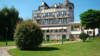 Hôtel La Haye Malherbe hôtel Logis Hostellerie Saint Pierre