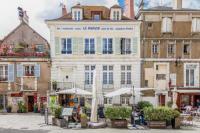 Hôtel Saint Aubin des Bois hôtel Le Parvis