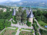 Chateau-De-Picomtal Crots
