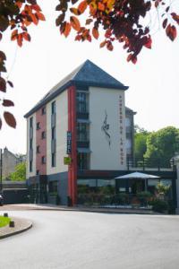 Hôtel Tigné hôtel Logis Auberge de la Rose