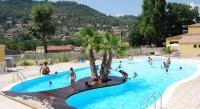 Résidence de Vacances Néoules Grand Bleu Vacances – Résidence Le Galoubet