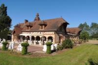 Appart Hotel Saint Georges du Vièvre résidence de vacances Le Manoir de Goliath