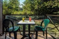 Appart Hotel Charnoz sur Ain Appart Hotel Zenitude Hôtel-Résidences L'Orée du Parc