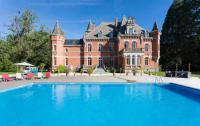 Gîte Ariège Gîte Lorp-Sentaraille Chateau Sleeps 26 Pool WiFi