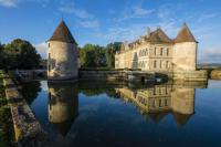 gite Clamerey Missery Chateau Sleeps 14 Pool WiFi