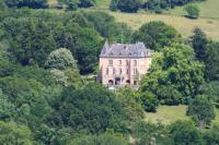 Gîte Corrèze Gîte Perpezac-le-Blanc Chateau Sleeps 14 WiFi