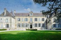 gite Coupéville Pogny Chateau Sleeps 32 WiFi