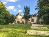 gite Les Salles de Castillon Port-Sainte-Foy-et-Ponchapt Chateau Sleeps 29 Pool