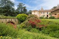 gite L'Isle en Dodon Saint-Lary-Soulan Chateau Sleeps 21 Pool WiFi