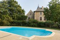 gite Chemillé Thouarce Chateau Sleeps 40 Pool WiFi