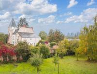 Gîte Indre et Loire Gîte Villeloin-Coulange Chateau Sleeps 12 WiFi