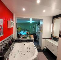 Chambre d'Hôtes Haute Normandie Suite Melody double balnéo, home-cinéma, terrasse à Dieppe