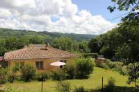 Chambre d'Hôtes Midi Pyrénées Maison avec 3 chambres privées au pied de la montagne noire, 5km de Mazamet
