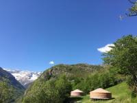 Terrain de Camping Midi Pyrénées Yourtes Mongoles Gavarnie