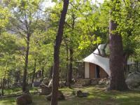 Terrain de Camping Corse lodge de charme au coeur de la Corse