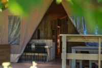 Terrain de Camping Lagarde d'Apt LES LODGES DE L' OSCLAYE