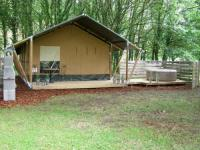 Terrain de Camping Maine et Loire La Fortinerie Glamping Safari Tent with Hot Tub