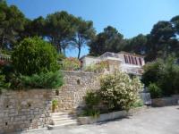 gite Aubagne T2 de la Bastide Rouge vue exceptionnelle (180°) sur Aix domaine privé T2 indépendant de 37 m2 avec terrasse exposée plein sud Piscine 10 X 5