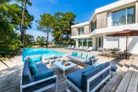 Villa Bayonne ARENA, Rent a beautiful architect villa with swimming pool in Anglet