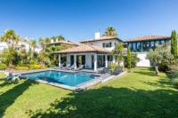 Villa Bayonne Gorgeous villa with heated pool in the heart of Anglet !