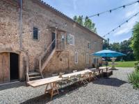 Gîte Ariège Gîte Vintage Villa in Artigat with Private Terarce