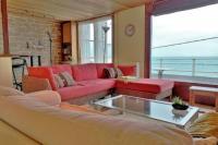 gite Le Tréport Villa de front de mer avec terrasse vue mer et jardin