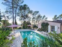 gite Grasse Lavish Villa in Bagnols-en-Forêt with Swimming Pool