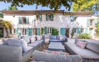 gite Mouriès Barbentane Villa Sleeps 10 Pool WiFi