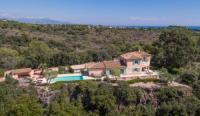 gite Cipières Biot Villa Sleeps 8 Pool Air Con WiFi