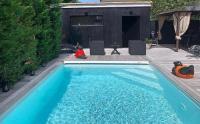 gite Saint Loubès La Dolce Villa moderne avec piscine à Bordeaux Caudéran