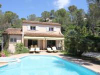 gite Peymeinade Spacious Villa at Saint-Raphael with Jacuzzi