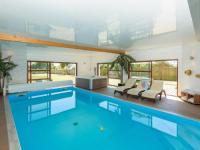 gite Île de Batz Luxurious Villa with Indoor Pool in Brignogan-Plages France