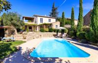 gite Sénas Cabrieres-d'Avignon Villa Sleeps 7