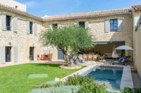 gite Roussillon Cadenet Villa Sleeps 10 Pool Air Con WiFi