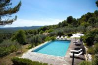 Location de vacances Argenteuil Claviers Villa Sleeps 8 Pool WiFi
