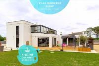 gite Saint Thégonnec La Villa des Amiets: 250m², confort, piscine, mer à 500m