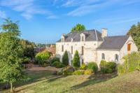 gite Parnay Concourson-sur-Layon Villa Sleeps 18 Pool