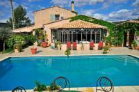 gite Esparron de Verdon Cotignac Villa Sleeps 6 Pool Air Con