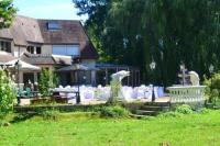 Gîte Loiret Gîte Villa with 4 bedrooms in Courtenay with wonderful lake view enclosed garden and WiFi 20 km from the beach