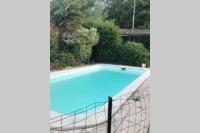 gite Prignac et Marcamps Tizac-de-Lapouyade, piscine 28 km de Bordeaux