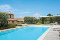 gite Saint Rémy de Provence Eygalieres Villa Sleeps 8 Air Con WiFi