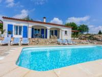 gite Bouilhonnac Luxurious Villa in Camplong with jacuzzi