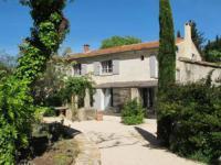 gite Mouriès Fontvieille Villa Sleeps 7 Pool WiFi