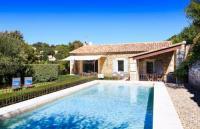 gite Charleval Gordes Villa Sleeps 6