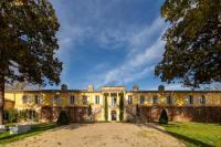 gite Villegouge chateau de l hermitage