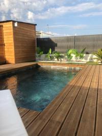 gite Maubec Villa neuve avec piscine et clim
