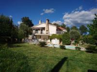 gite Auriol Villa T7 220m2 avec piscine en provence à la Cadière-d'Azur idéale familles