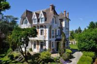 Gîte Nanterre Gîte Villa de caractère 8 à 16p, 350 m2 - 15 mn Paris, 10 mn Versailles